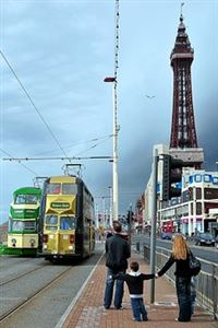 Lytham St Annes & Blackpool - Easter Break